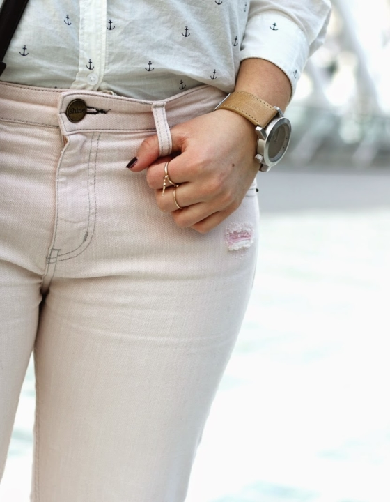 RIPPED PINK JEANS